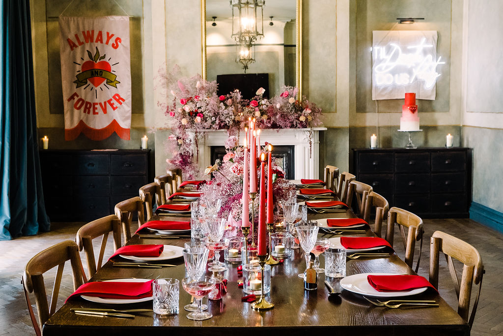 red and pink wedding table design